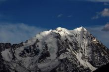 亚拉雪山;华山
