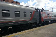 西伯利亚大铁路,全世界最长的铁路,从北京出发,经二连浩特,过蒙古,最后到莫斯科,经过三个国家,厉害了