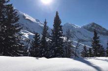 冬季徒步旅行,滑雪爱好者的圣地——盖米山口  洛伊克巴德除了有融入自然的高尔夫球场、幽深美丽的河谷和