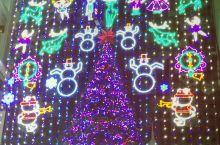 美国费城梅西百货最著名的灯光秀。只有在感恩节期间才对外开放非常壮观,并伴有优美的旋律和解说。