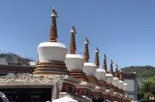 塔尔寺,排名第一的圣地!人满为患,但值得一看。尤其三绝之一的酥油花,惊艳美丽。大金顶,大金塔,都是真