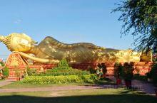 看到这个睡佛,感觉很神圣,这是东南亚佛教的特色