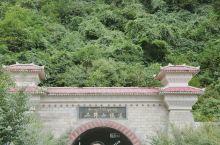 十月国庆放大假,与友结伴向川西,祖国江山美如画,一路领略四季节。