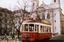 Marta Caparrós的里斯本旅行故事。 独特的风景和建筑,充满了复古的气息,以及浪漫的古典文