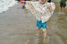 补发一组昨天的照片!从桂林到达金滩后,立马投入大海的怀抱