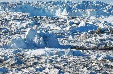伊路利萨特冰湾位于格陵兰岛西岸,北极圈以北约250公里,该冰湾是少数几个通过格陵兰冰冠入海的冰河出海