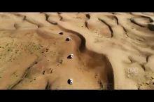 中秋节假期去了巴丹吉林沙漠,可以说这个沙漠满足了我对沙漠的一切喜好,不仅有着很壮观的沙丘,还有众多湖