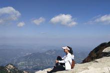 一直想去爬泰山,也看了很多攻略,说要准备好什么,做好了心理准备,一个人就从昆山过去了,到泰安市时早上