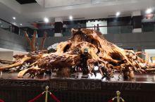 山清水秀,包含许多民族文化。