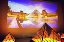 去过巴黎卢浮宫的我依旧会来这里一睹为快,这里并不是展出卢浮宫的珍品,但这里依旧有许多的看点。看着版画