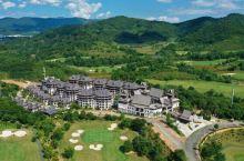 """西双版纳悦椿温泉度假酒店  酒店位于素有""""雨林春城""""美称的勐海县。勐海冬无严寒、夏无酷暑,年均 18"""