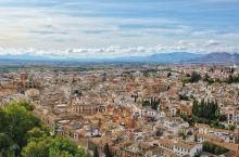格拉纳达,一座停留在15世纪的小城 12到15世纪300年来,该城作为西班牙南部摩尔王国的政治中心,