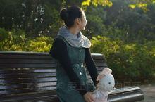秋季的世纪公园,适合穿上漂亮的衣服,带着自己心爱的玩偶,来一场与秋的邂逅。早晨6:00~8:00还可