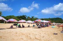 10月份去的白沙滩,人不算多估计是过了暑假吧,正午的时候太阳好大,还是能够下水,海水颜色真的很好看透