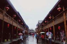 四川省阿坝藏族羌族自治州东北部的古城松潘县,古名松州,是四川省历史名城,也是历史上有名的边陲重镇,被