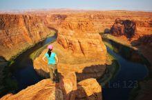 金属红奇观—马蹄湾 ·马蹄湾坐落于亚利桑那州佩吉(Page, Arizona)小镇附近· ·佩吉市住