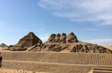 响沙湾,真正的沙漠,景区出入口不大,但沙漠景区很大,沙雕,冲沙车,小火车,骆驼,沙漠绿洲泡温泉,滑沙
