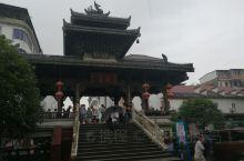 灵渠,位于桂林市兴安县,中国古老的人工运河。购票,在景区乘坐小船,沿着灵渠一路欣赏。到了古埠头,下船