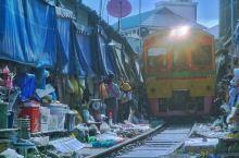 泰国毕业三人行小故事2019.5.28—2019.6.7  泰国毕业游第二日——第一站:美攻铁道市场
