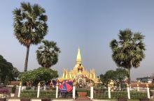 老挝很多地方都没怎么开发,喜欢原生态旅游的可以选择这里^_^