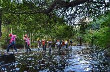 #换个角度看商洛# 商洛柞水新推玩水胜地了解一下:终南山寨峡谷水上乐园。是迄今为止西北地区规模最大、