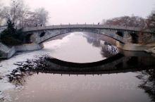 赵州桥(Zhaozhou Bridge),又称安济桥,俗称大石桥,是中国河北省石家庄市赵县境内一座跨