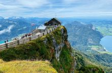 奥地利 沙夫山。沙夫山位于圣沃尔夫冈湖傍,海拔为1783米,著名电影《音乐之声》曾在这里取景拍摄。坐