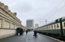 清晨的阿塞拜疆首都巴库火车站