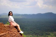 斯里兰卡·锡吉里耶|狮子岩      狮子岩是在斯里兰卡锡吉里耶城的一座真真实实构筑在橘红色巨岩上的