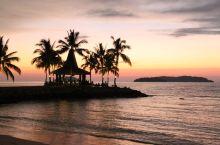 """沙巴州有""""风下之地""""之称,是马来西亚十三个州之一。这里有清澈的海水,白色的沙滩,可爱的长鼻猴及各种美"""
