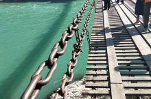 飞夺泸定桥,小时候课本里提到的场景  泸定桥自清以来,为四川入藏的重要通道和军事要津。1935年5月