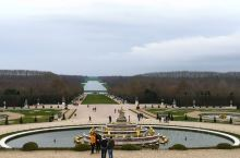 梵尔赛宫花园 高贵豪华的凡尔赛宫殿,是世界五大宫殿之一,坐落在巴黎西南18千米的凡尔赛镇,内部装饰,