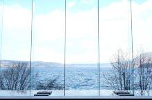 这家酒店最大的特点就是在这大大的落地窗前观赏洞爷湖,也许这原因,是这家酒店成为网红店