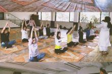 印度孟买必体验在最古老的瑜伽学院体验瑜伽  推荐理由: 乔布斯的一次印度瑜伽之旅使得他体会了大自然极