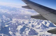 飞机上看雪山!