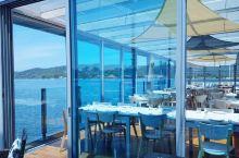 海边玻璃房餐厅,边吃边欣赏海