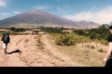 林贾尼火山丨极限挑战!体验在3700m高的火山口露营!  3000m的攀登,在火山上安营扎寨 看着日