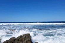看海浪拍打礁石,我可以在这里坐一下午!