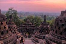 ⭐️早上3点钟就爬起来,驱车1小时到婆罗浮屠看日出, 见识了东方四大奇迹之一, 因为火山爆发,被掩埋