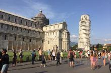 比萨,我是从佛罗伦萨坐高铁去的,路途大约35分钟(好像)。视频一开始的,是比萨斜塔对面的圣婴堂实录,