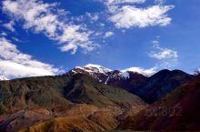从海拔4000米的黑恰道班喜来登重上海拔4969米的麻扎达板,也叫塞力亚克达板。麻扎达板高山陡峭,上