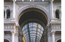 米兰 时尚买手必达·埃马努埃莱二世拱廊 . 埃马努埃莱二世拱廊Galleria Vittorio E