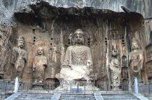 游览华中大地,来到了洛阳的龙门石窟。龙门石窟是河南人民的宝贵遗产、也是中国人民的、更是世界人民的宝贵