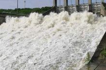 三十岗附近偶遇的滁河干渠,挺壮观的一水坝