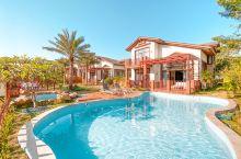 佛冈汉利别墅 没有泳池的夏天是不完美的,由于特殊时期家人出游选一个拥有私人泳池的别墅很合适,开车大约