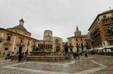 瓦伦西亚圣女广场,瓦伦西亚大教堂,二处非常近,进大教堂需要买门票每人8欧元,里面没有中文导游讲解器,