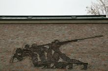 到了德国工业重镇斯图加特,你应该去斯图加特大学看看,如果你有过大学学习经历!对于有孩子以后想让孩子走