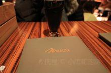 打卡布达佩斯网红餐厅Menza Menza属于布达佩斯排名前三的网红餐厅啦,位置挺大的,但是排队人很