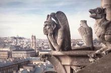 巴黎聖母院基本上都是旅遊人的必去地方, 雖然很可惜在2019年燒毀了, 但幸好之前有去過, 也拍了不