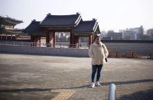 景福宫是韩国的标志历史象征,也是一个国家文化底蕴的象征,不过话说回来,我到过那么多的皇宫古迹,如法国